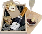 Nice Irish Xmas Gifts - Food & Drinks Hampers Delivered Ireland Online !